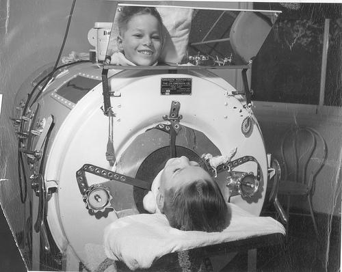 Polio-victim-in-tank-respirator