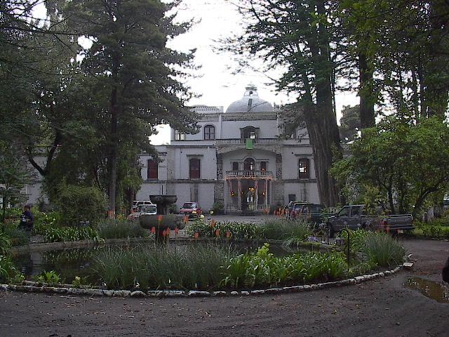 Cotapaxi_hacienda_1